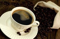 Manche Menschen sind im wahrsten Sinne des Wortes süchtig nach Kaffee.
