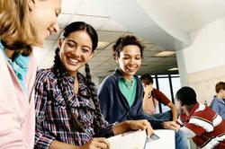 Schulen haben meist mehrere Klassen pro Stufe.