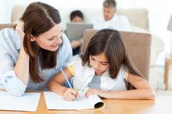 Die Hilfe der Eltern kann benotete Aufgaben verfälschen.