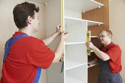 Lieferung und Aufbau der Objekte können Sie bei IKEA für einen Aufpreis veranlassen.
