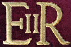 Die Initialen der englischen Queen.