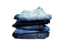 Sie können Ihre Jeanshosengröße ganz einfach ermitteln oder umrechnen.
