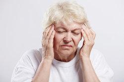 Ein niedriger Blutdruck wird häufig durch Schwindel bemerkt.