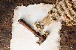 Wann ein Urteil rechtskräftig ist, ergibt sich aus den Prozessordnungen.
