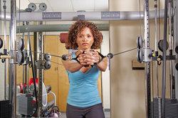 Das Training am Kabelzug ist auch für Anfänger geeignet.