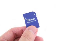 Speicher voll? - Die Rettung ist eine Micro-SD-Karte.