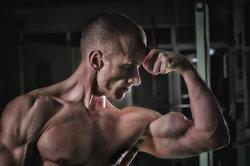 Die meisten Bodybuilder schwören auf eiweißreiche Nahrung.
