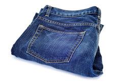 Sekundenkleber kann man ganz leicht aus der Jeans entfernen.