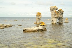 Etwas weiter nödlich ist die tiefste Stelle der Ostsee.