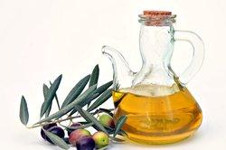Olivenöl können Sie auch fürs Gesicht verwenden.