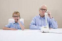 Mobil zu telefonieren, kann günstiger als Festnetz sein.