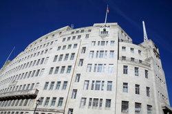 Das Hauptgebäude der BBC steht in London.