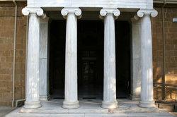 Die 4 Säulen Leistung, Disziplin, Ehre und Tradition - Hauptziele an der Wellton-Akademie.