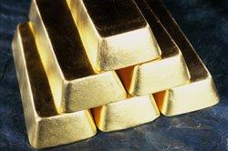 Damit es im vollen Glanz erstrahlt, muss Gold erst gereinigt werden.