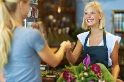 Je nach Einstellungsgebiet verdienen Verkäufer unterschiedlich.