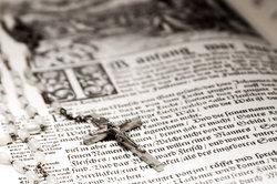 Nutzen Sie Ihren Lieblingsvers aus der Bibel für den Glückwunsch zur Konfirmation.