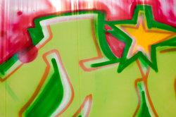 Graffiti kann Sachbeschädigung sein.