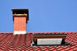 Ein Dachfenster bringt die Sonne in die Wohnung