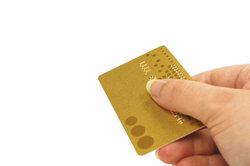 Wer keine Kreditkarte hat, für den könnte paymywhatsapp die Lösung sein.