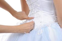 Dressfit-Kleider sind Schnäppchen mit Risikopotenzial.