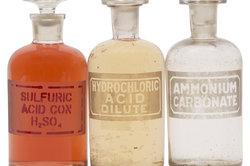 Salzsäure ist ein Beispiel für eine Heterolyse.