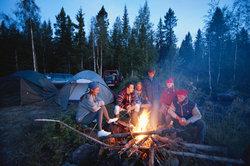 Zelten ist ein günstiges und gemütliches Urlaubsvergnügen.
