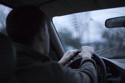 Ihr geleastes Fahrzeug einem Fremden zu überlassen, kann unangenehme Folgen haben.