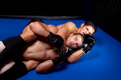 MMA ist eine Kampfsportart, die aus vielen Techniken besteht.