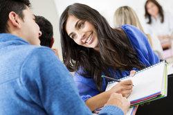 Ein Studium kann für viele junge Leute wieder neue Perspektiven wecken.