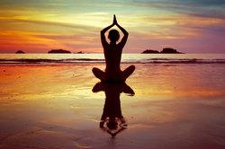 Yoga hilft bei Stress.