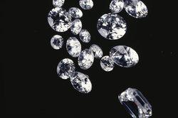 Tiffany-Schlüssel können auch mit Diamanten besetzt sein.