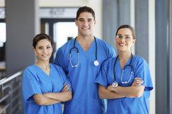 Krankenschwestern werden gut bezahlt.