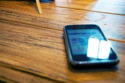 Mit WhatsApp können Sie SMS-Kosten sparen.