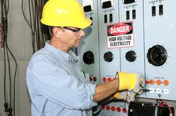 Im Elektrohandwerk gelten Mindestlöhne.