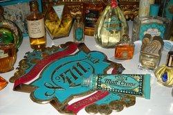 Parfums beliebter Hersteller werden oft gefälscht