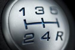 Der Borgward P 100 verfügt serienmäßig über ein Viergangschaltgetriebe.
