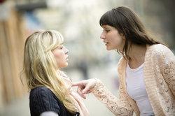 Die begründete Stellungnahme soll die argumentative Kommunikation in Streitgesprächen trainieren.