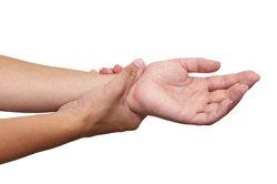 Kribbeln und Schmerzen in der Hand sind oft auf ein Karpaltunnelsyndrom zurückzuführen.