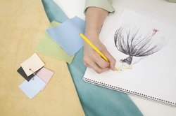 Modepuppen zu zeichnen, erfordert Übung.