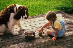 Kinder lieben Tiere und Tiere lieben Kinder.