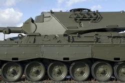 Deutsche warten Panzer der US-Streitkräfte in Deutschland