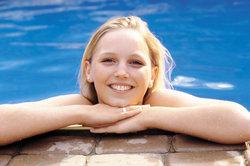 FKK macht glücklich - das haben auch Schwimmbäder mittlerweile erkannt.