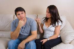 Eine besitzergreifende Freundin stellt die Beziehung auf den Prüfstand. Handeln Sie rechtzeitig.