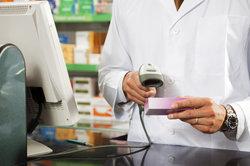 Per Scanner wird bei vielen Produkten die Diebstahlsicherung entsichert.