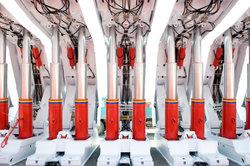 ShowTime Hydraulics liefert beispielsweise hydraulische Hebebühnen.