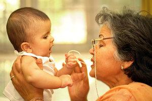 Eine Brillenkette ist nicht nur etwas für ältere Damen.