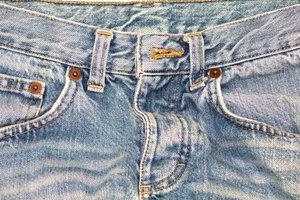 Alte Jeans mit Acid Wash aufpeppen