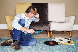 Schallplatten werden aus Polyvinylchlorid hergestellt.