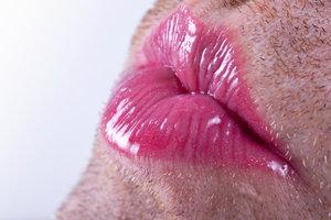 Bei Transsexualität ist die Wirkung der weiblichen Hormone erwünscht.