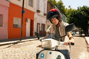 Die HUK Coburg bietet günstige Rollerversicherungen für jeden an.